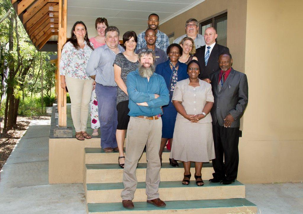 Southern African Wildlife College staff with representatives from the University of Mpumalanga. Back row, left to right: Dr Yolanda Pretorius , Anelle Rautenbach, Sboniso Phakati, Gerhard Viljoen (UMP), Ashwell Glasson, Chris Kafoteka, Dr Cleo Graf, Prof Dan Parker (UMP) Theresa Sowry, Prof Thoko Mayekiso (UMP), Prof Alan Gardiner, Prof Phindile Lukhele Olorunju (UMP), Prof Moses Mbewe (UMP).