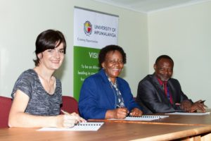 Southern African Wildlife College CEO and Vice Chancellor, Theresa Sowry, University of Mpumalanga Vice Chancellor, Prof Thoko Mayekiso and Dean Faculty of Agriculture and Nature Conservation, Prof Moses Mbewe.